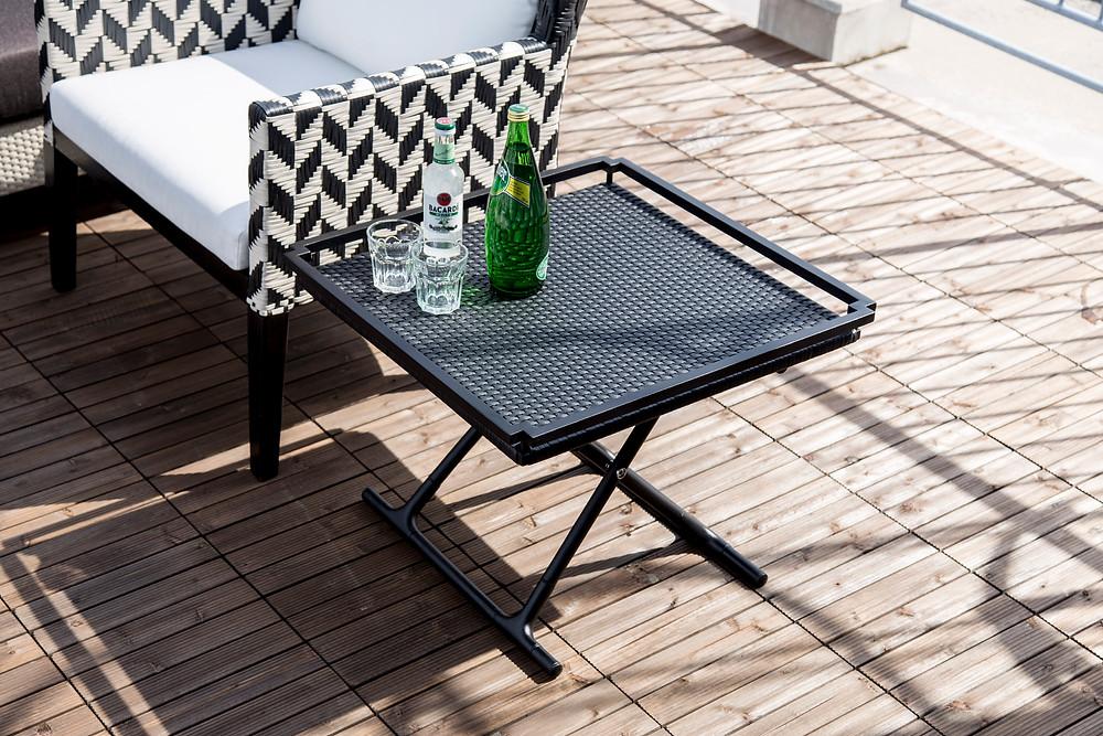 屋外用サイドテーブル SMood Tray Table 使用写真