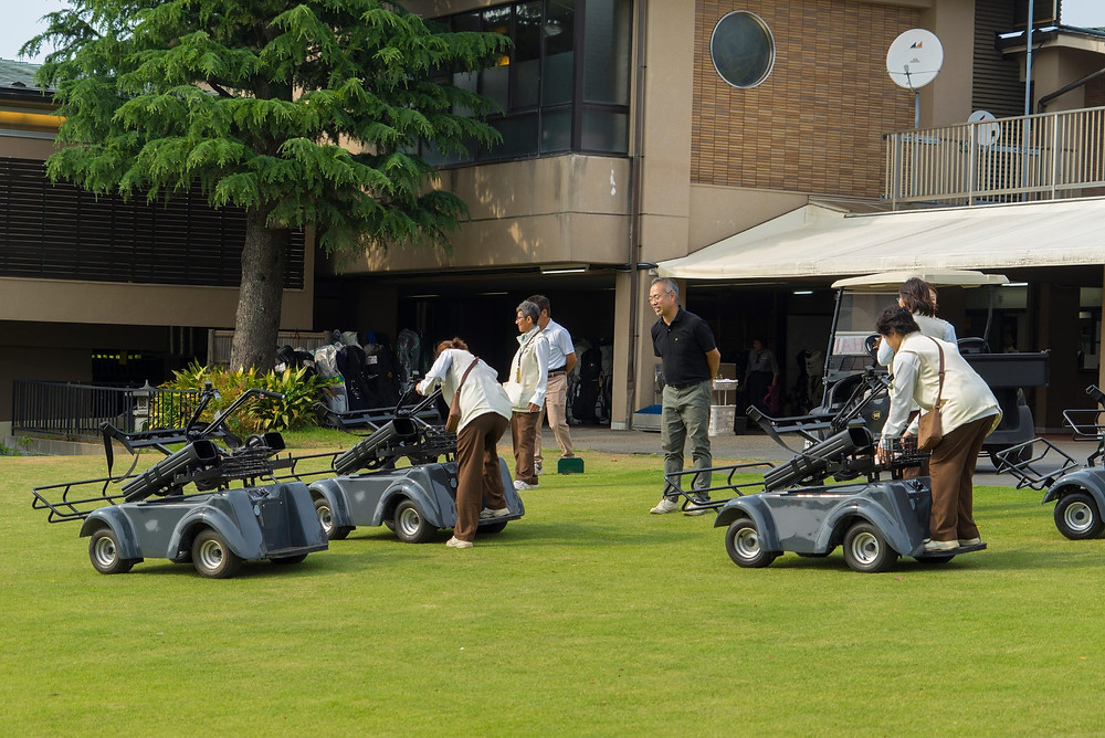 電動立ち乗りゴルフカート 横浜カントリークラブ