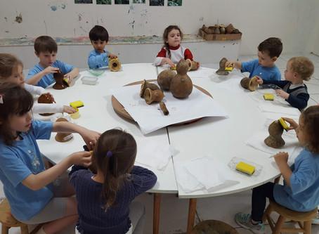 Salas de aula com alunos de várias idades - vantagem ou desvantagem para a criança?