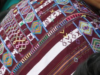 Los huipiles son la expresión de la creatividad y la historia de la cultura