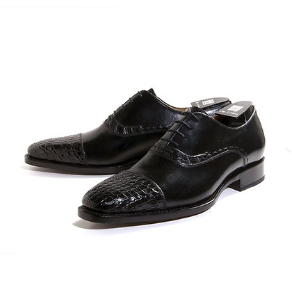 "Ugo Vasare ""Aberto"" Alligator Cap Toe Shoe"
