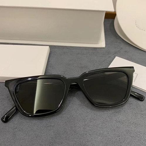 Vintage Cat-Eyed Black Sunglasses