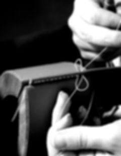 Le point sellier, LPS, La Petite Saudade, Maroquinerie, Emilie Bertrand, Artisan, Artisanat, Savoir faire, Luxe, Haut de gamme, Sac, Pochette, Cuir, Pleine fleur, Handmade, Cousu main, 100% fait main, Fait main, Made in France, Créateur, Créatrice, Création, Unique, Personnalisable, Fabrication, Conception, Réalisation, France, Française, Français,