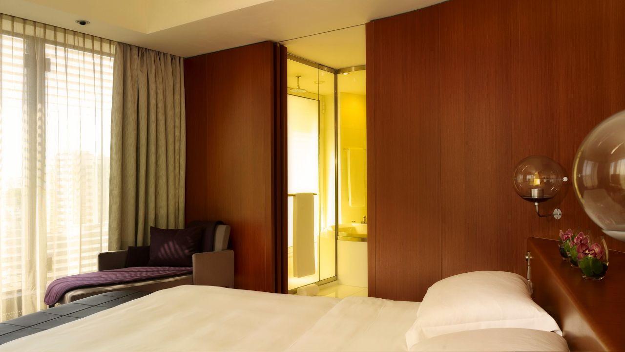 YEKHR-P075-Suite-Bedroom.adapt.16x9.1280