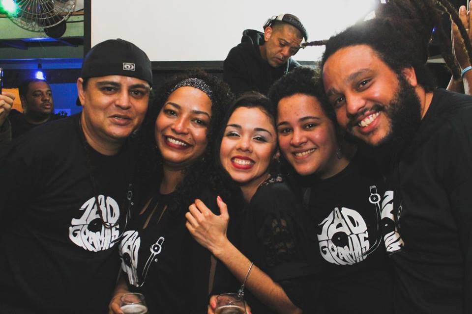 Organizadores do Sarau do Vinil - Costela, Alê, Brunas e Bibo