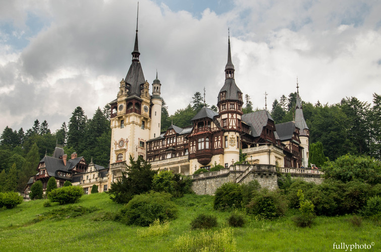 peles castle_dracula castle_transylvania