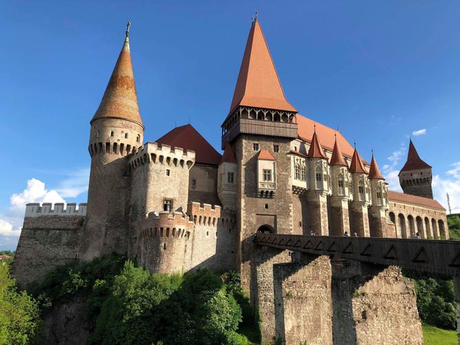 transylvania_castle_visittransylvania.jp