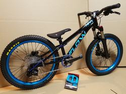 flow kids bike 20 black blue