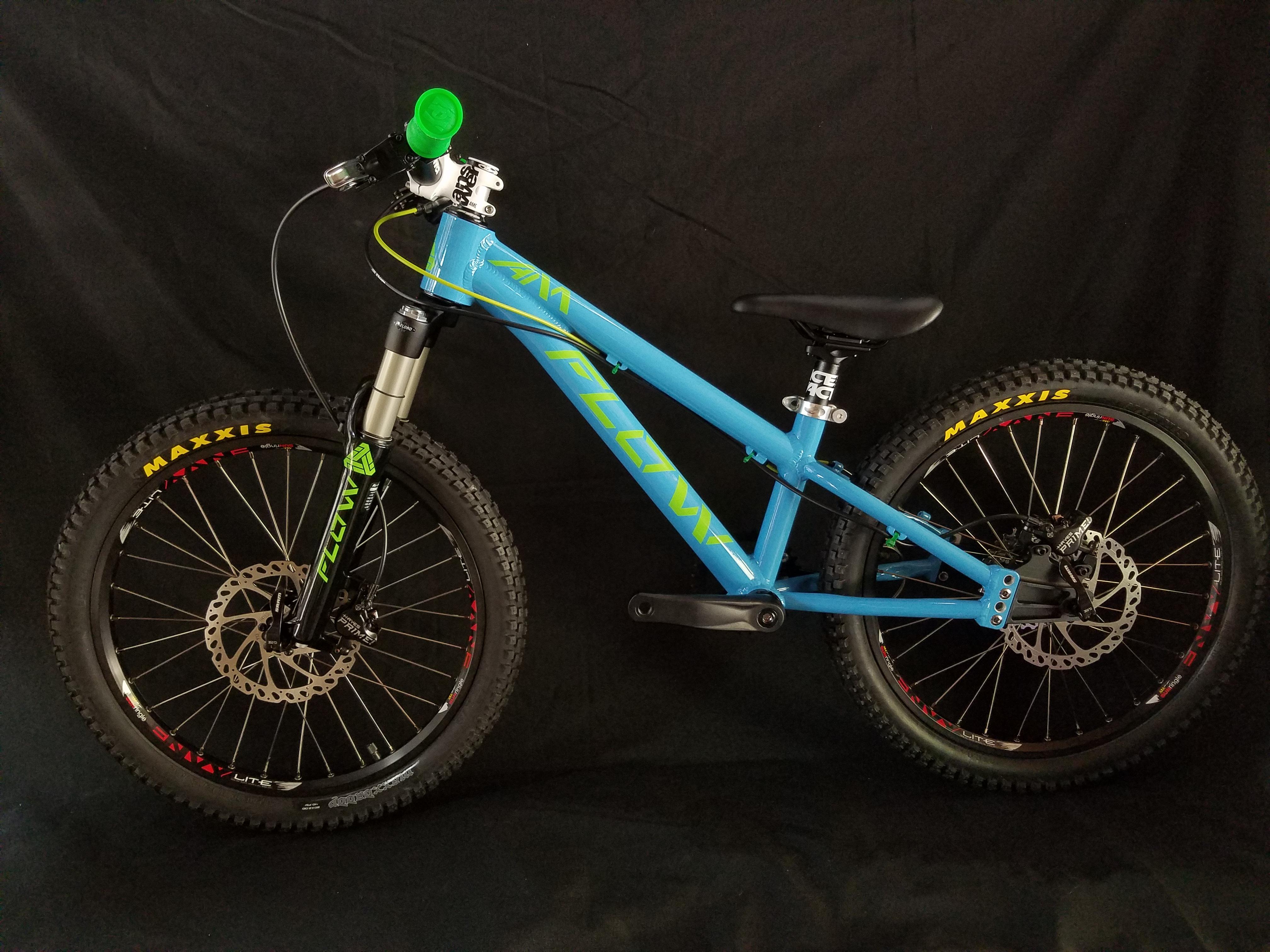 kids mountain bike blue green 20 inch