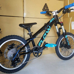 flow bike black blue 16