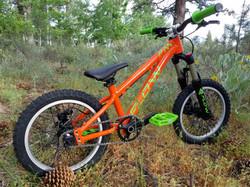 flow bike orange green 16