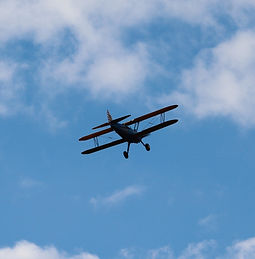 aircraft-5538927_1920_edited_edited.jpg