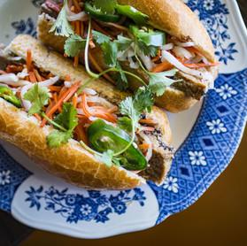 banh-mi-lemongrass-tofu.jpg