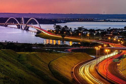 Anoitecer na Ponte JK