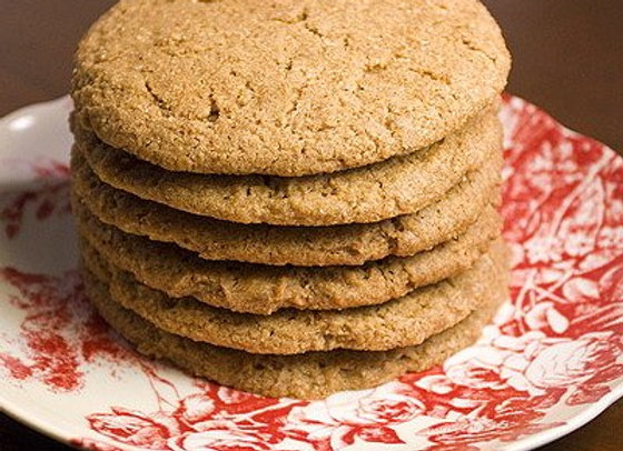 sonia's grandma's molasses crinkle cookie