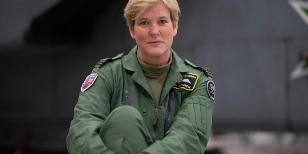Change your Flight Path, with Mandy Hickson: Author of 'An officer, not a gentleman'