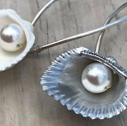 Shell & Pearl Bridal Hair Pins