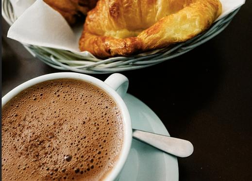 chocolat_chaud croissant.png