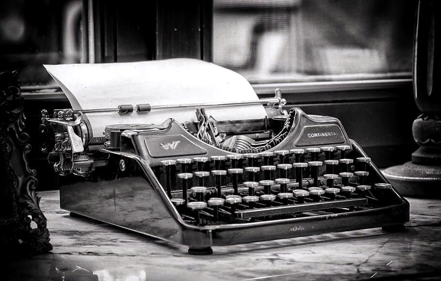 typewriter-write-tap-keys_edited.jpg