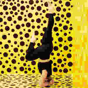 Inversion headstand