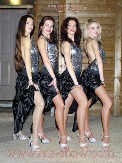 רקדניות לאירועים למכירה