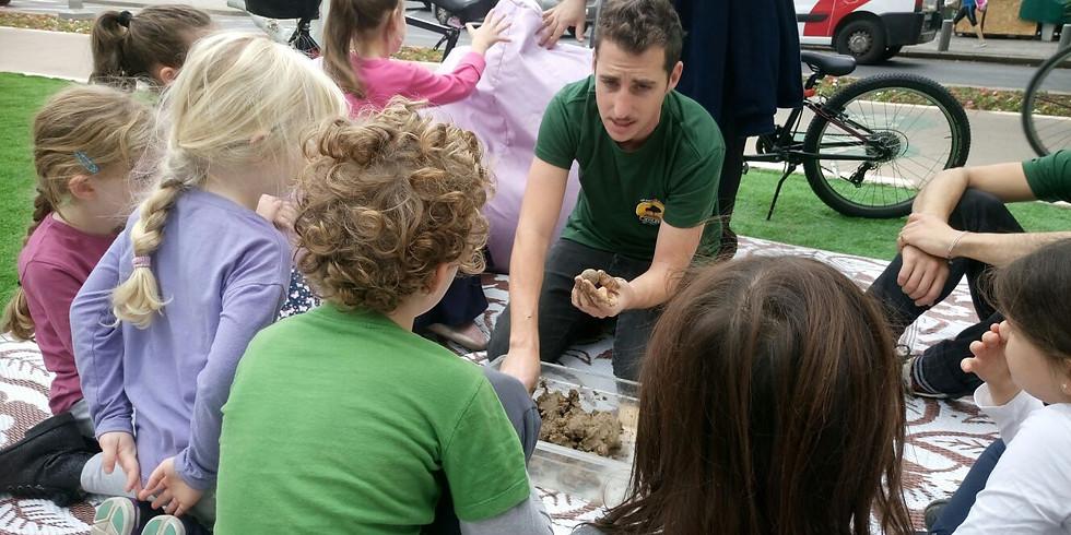 פעילות ילדים - הכנת פצצות זרעים