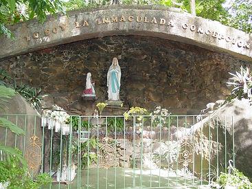 Gruta de Lourdes.JPG