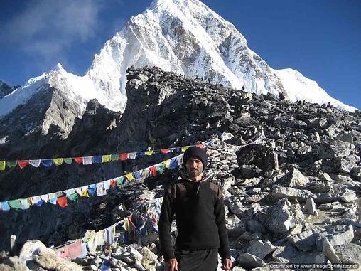 Mount Everest Basiscamp Himalaya Trecking und Nepal Touren orgaisiert mit Sports&Travel