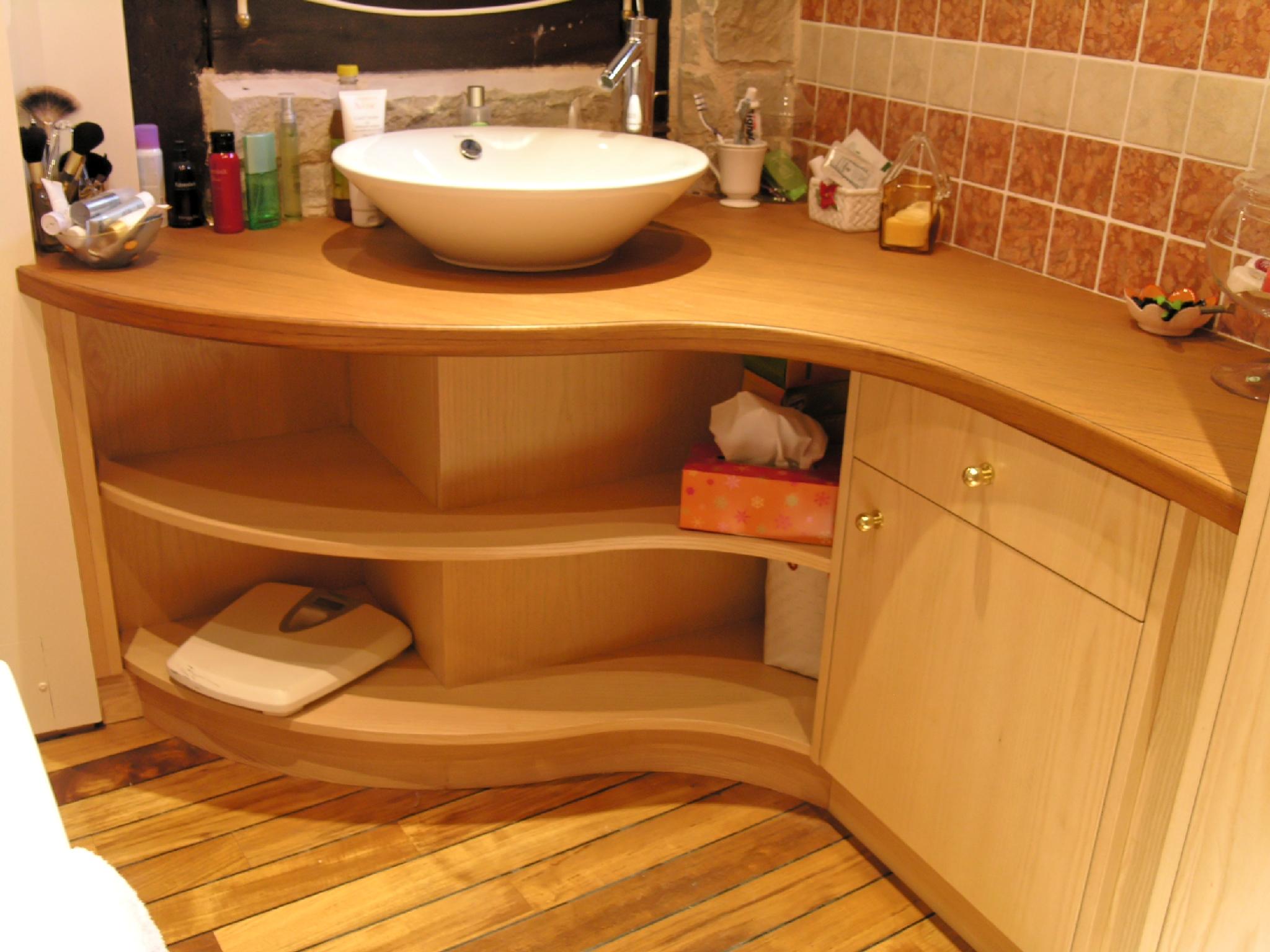 salle de bains teck et frêne