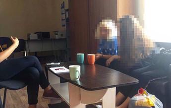 """Стреча выпускиницы нашего центра с родственниками.- РЦ """"Альтернатива"""""""