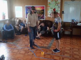 Тренинг на доверие «Полоса препятствий» прошёл сегодня в реабилитационном центре «Альтернатива»