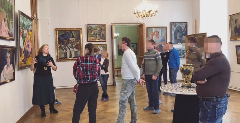 Поход в картинную галерею с ребятами с постлечебной программы