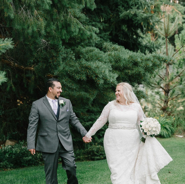Newlywed photos in the Garden at Oak Hills Reception and Event Center