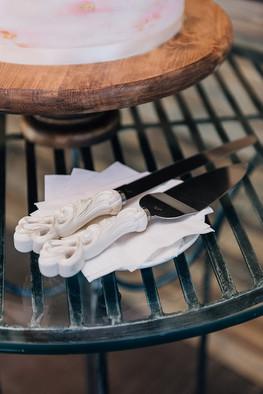 Cake knife and server