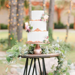 Wedding cake at Oak Hills Reception and Event Center