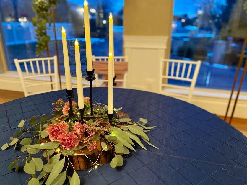Centerpiece with Fresh Greenery & Flowers