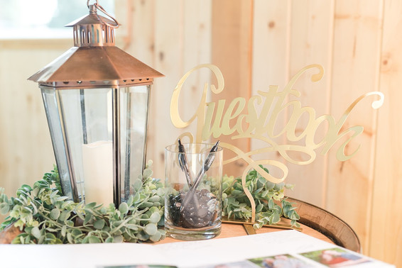 Guestbook Sign & Table