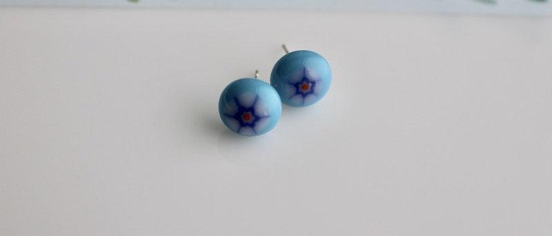 Oorbellen blauwe bloem