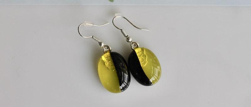 Oorbellen zwart geel