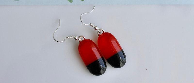 Oorbellen rood zwart
