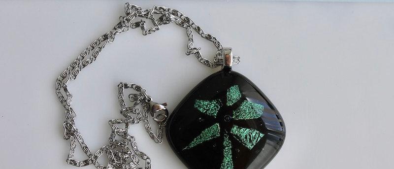 "Halsketting Zwart groen Thema ""Bloemen"""