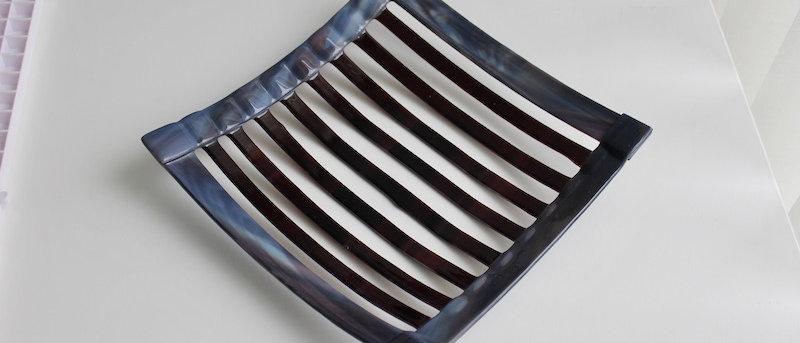 Schaal dark stripes