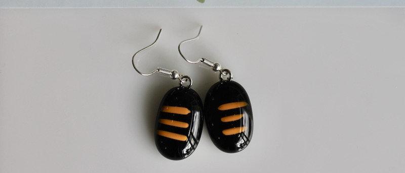 Oorbellen zwart oranje