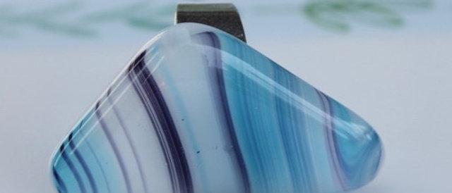 Ring blauw paars gestreept