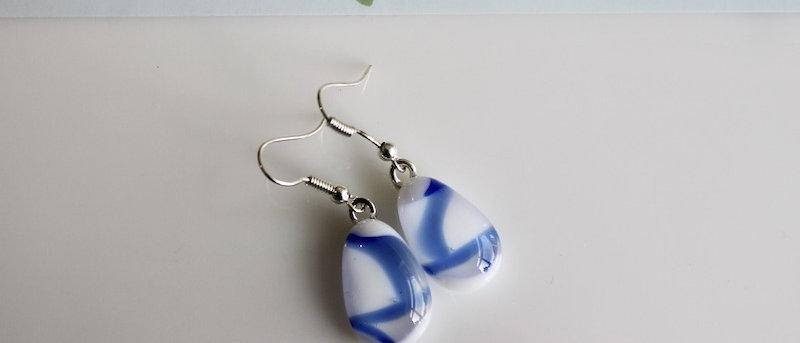 Oorbellen wit blauw