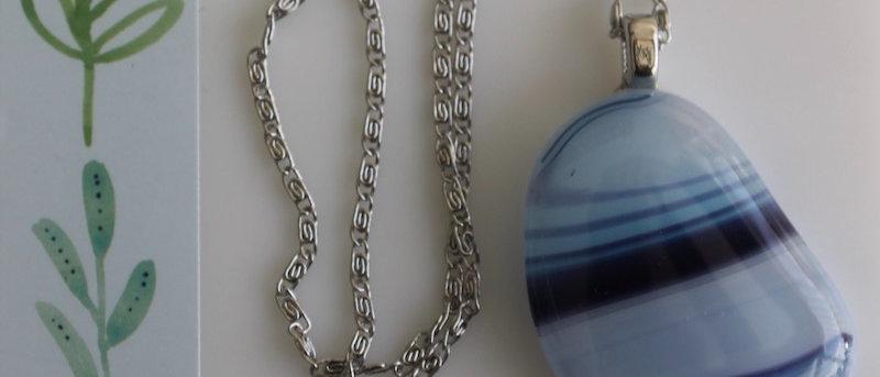 Halsketting blauw paars gestreept