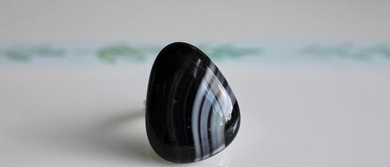 Ring zwart wit