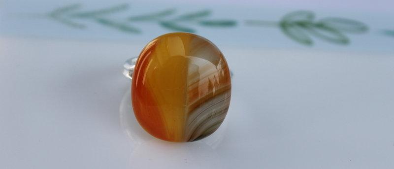 Ring oranje bruin