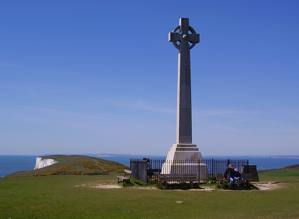 Tennyson Monument.