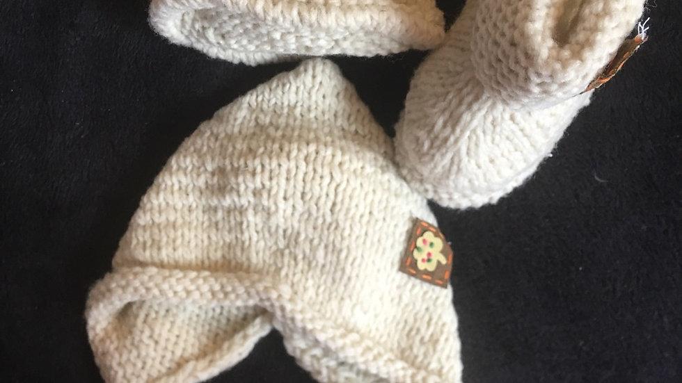 Béguin et chaussons tricotés main